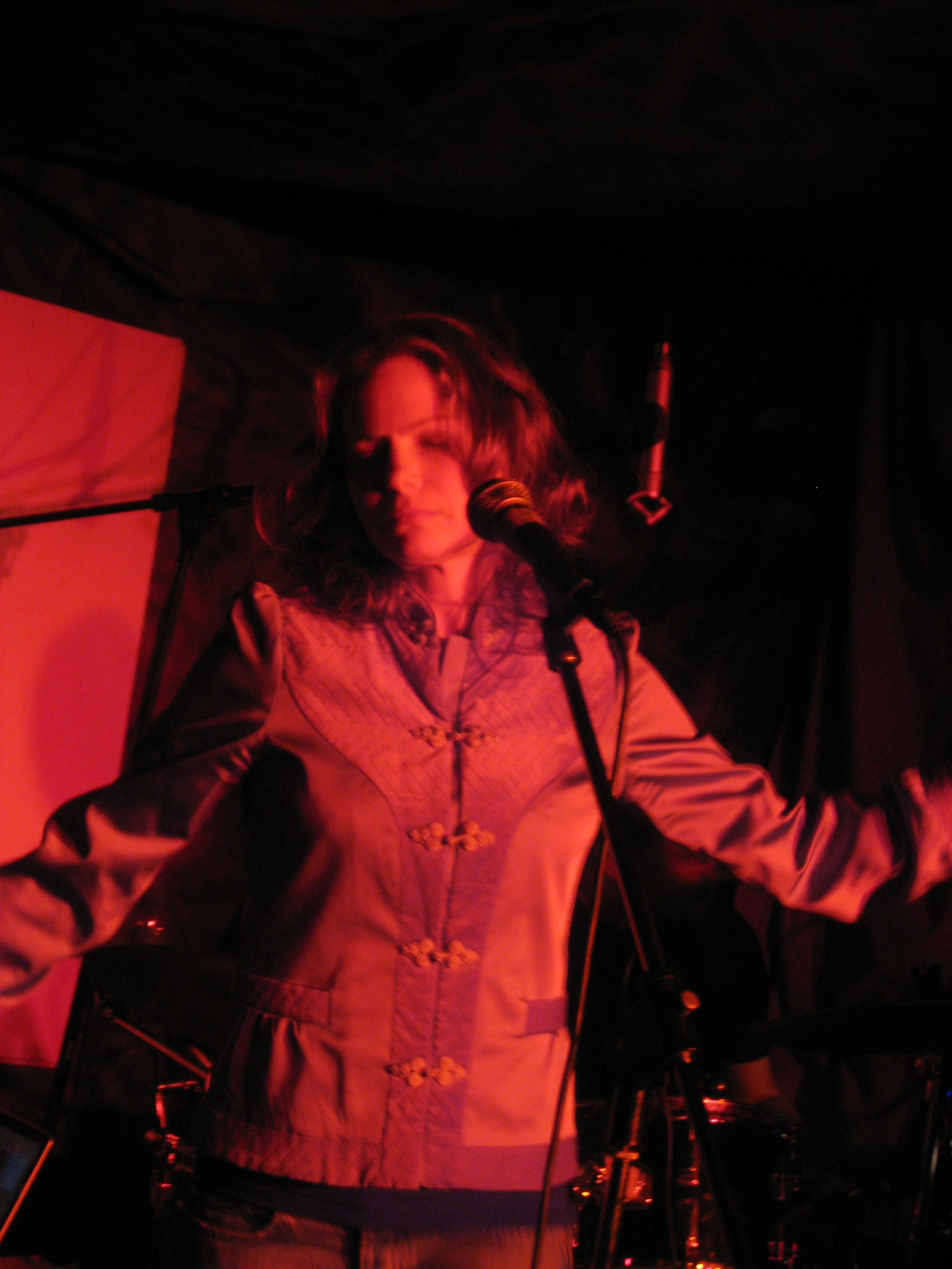 Marie Glad Live at Pluto